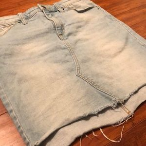 Target Universal Threads light raw hem denim skirt